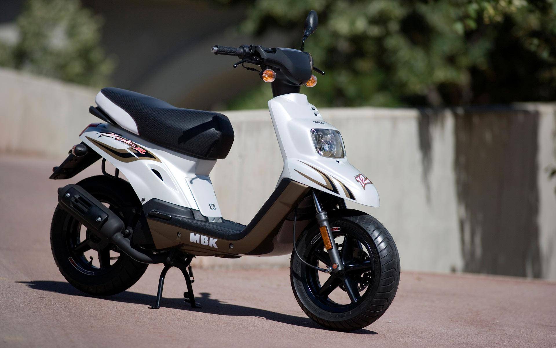 booster spirit le scooter star par mbk actualit s scooter par scooter mag. Black Bedroom Furniture Sets. Home Design Ideas