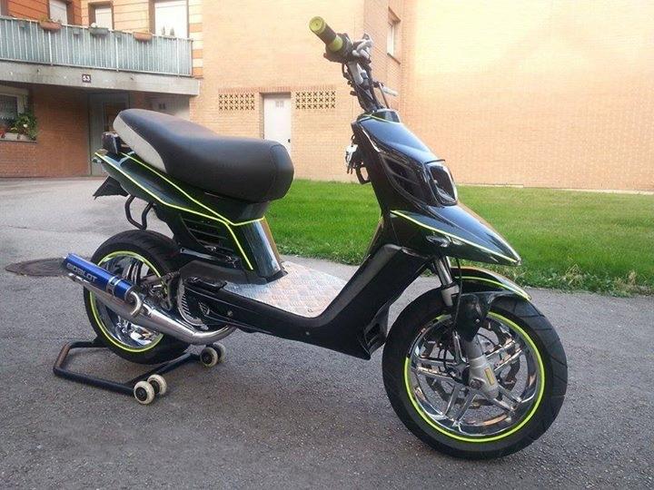guidon street str8 effet racing garanti actualit s scooter par scooter mag. Black Bedroom Furniture Sets. Home Design Ideas