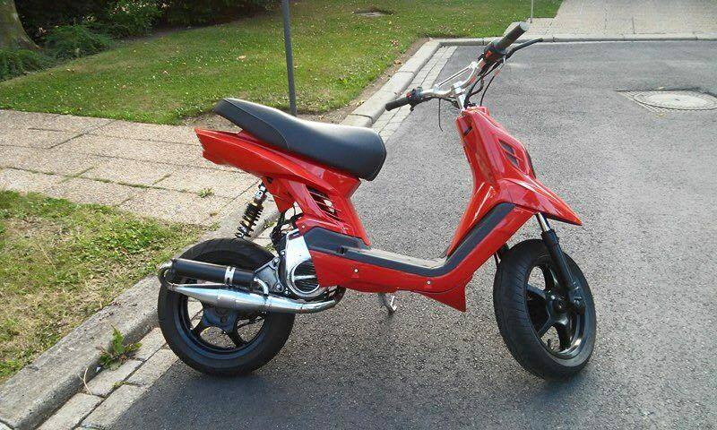 booster spirit bw s original 04 actualit s scooter par scooter mag. Black Bedroom Furniture Sets. Home Design Ideas