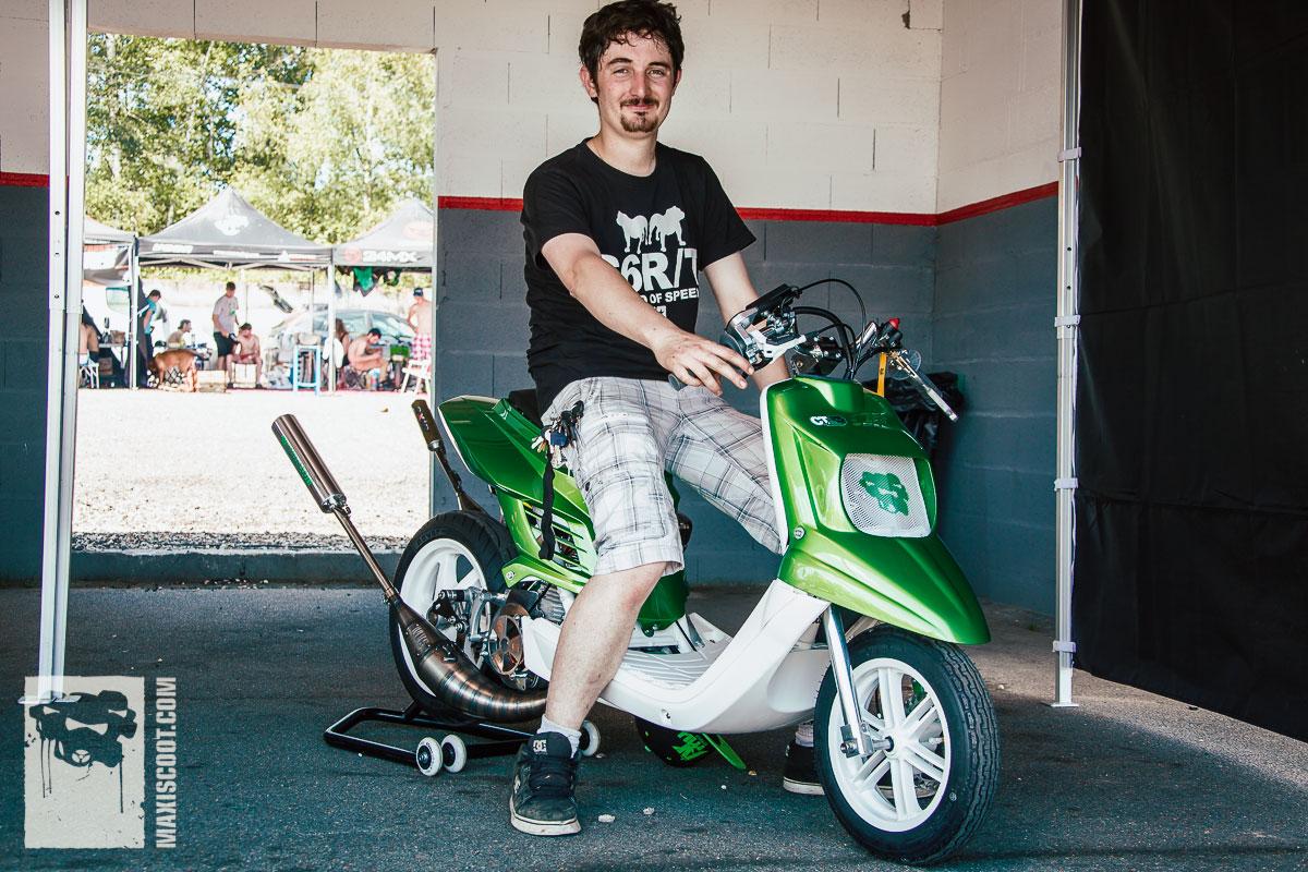 Vincent au guidon de son Booster MXS Racing